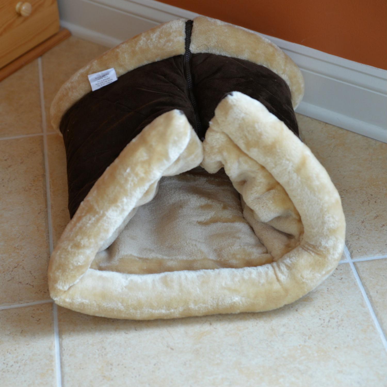 Armarkat Burrow Pet Bed Mat - Mocha/Beige