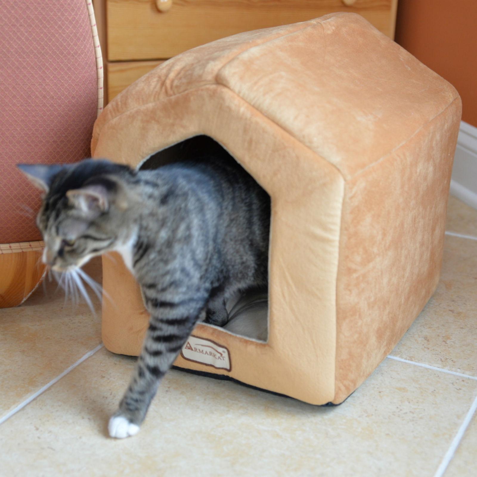 Armarkat Covered Pet Bed - Brown/Beige