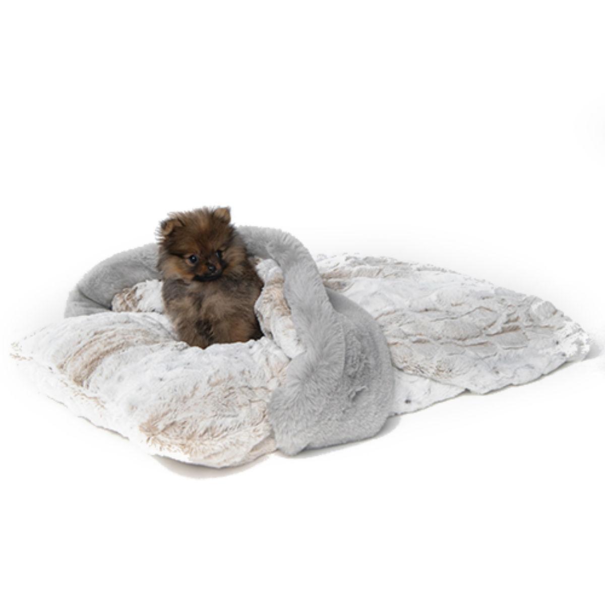 Hello Doggie Ritz Hideaway Dog Bed - Pearl Leopard