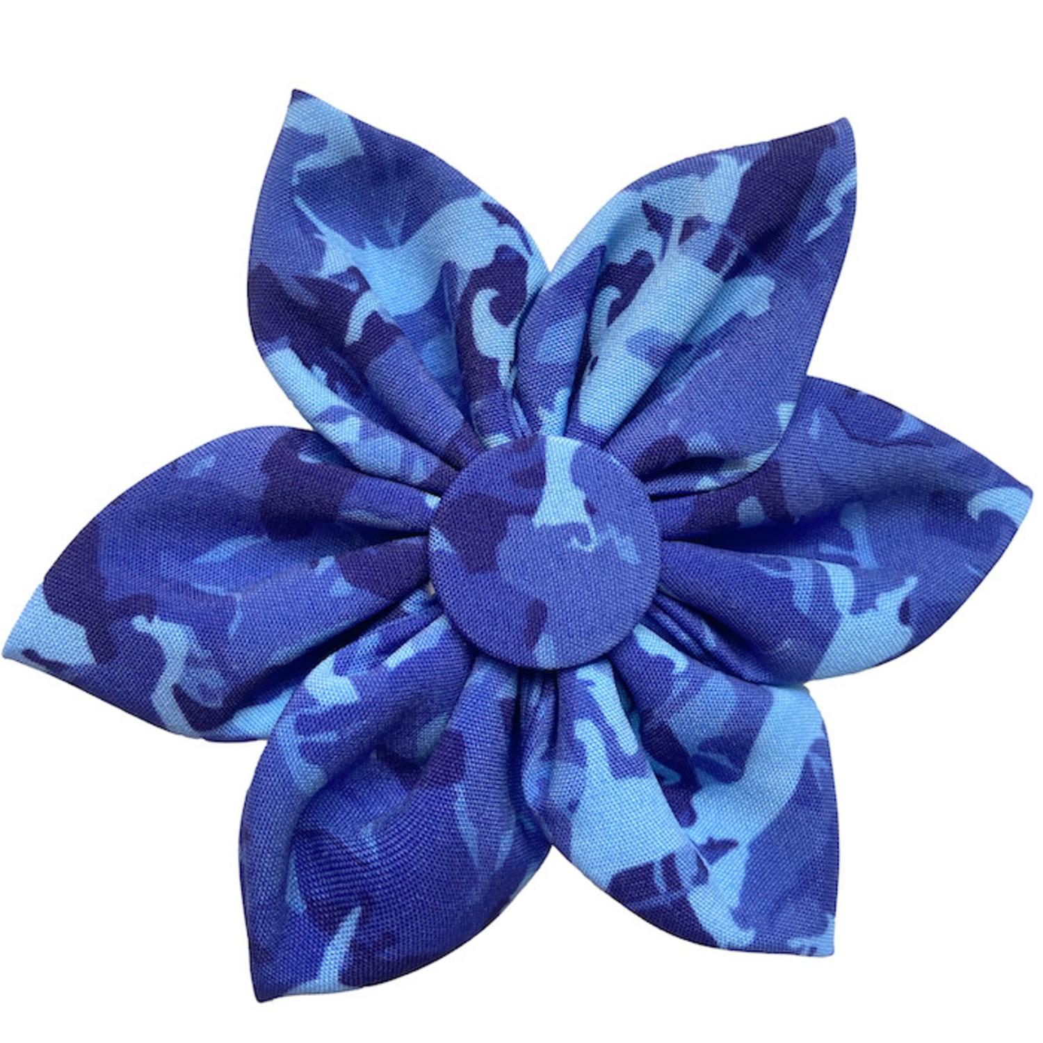 Huxley & Kent Pinwheel Dog and Cat Collar Attachment - Camo Dogs Blue
