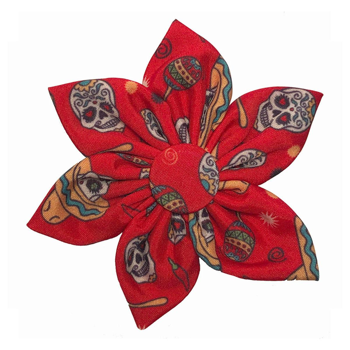 Huxley & Kent Pinwheel Dog Collar Attachment - Red Skulls