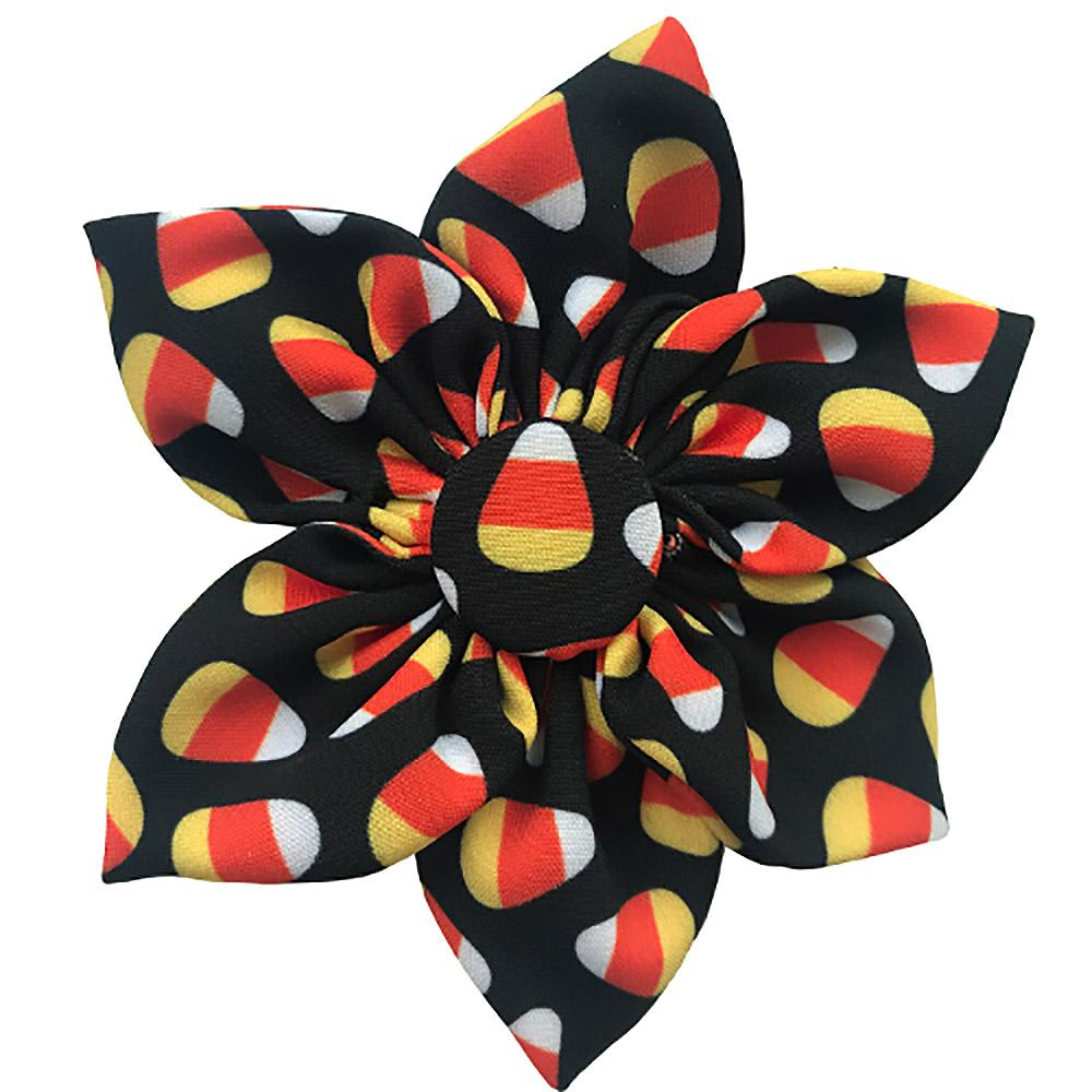 Huxley & Kent Halloween Pinwheel Pet Collar Attachment - Candy Corn