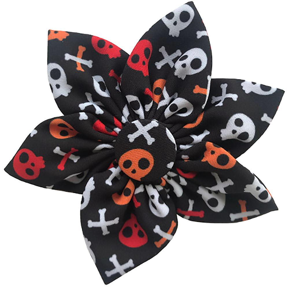Huxley & Kent Pinwheel Halloween Pet Collar Attachment - Skull and Bones