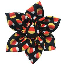 Huxley & Kent Halloween Pinwheel Dog and Cat Collar Attachment - Candy Corn