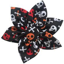 Huxley & Kent Pinwheel Halloween Pet Collar Attachment - Skull and Bones