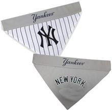 New York Yankees Reversible Dog Bandana Collar Slider
