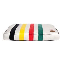 Pendleton Glacier National Park Dog Bed - White