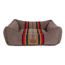 Pendleton Pet Yakima Camp Kuddler Dog Bed - Umber