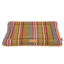 P.L.A.Y. Horizon Chill Pad Pet Bed - Woodland